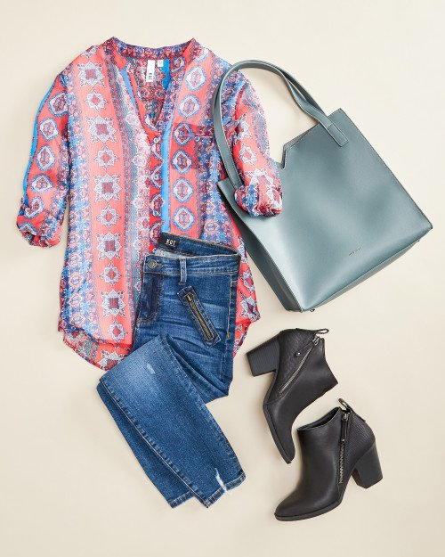 travel outfits: printed blouse with jeans